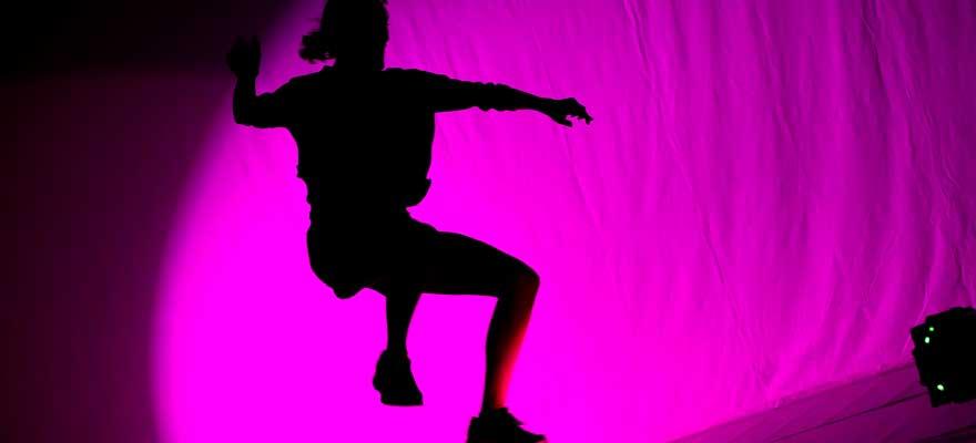 Práctica espacial y de movimiento 'Dance or… (not)', con  Esther Rodríguez-Barbero