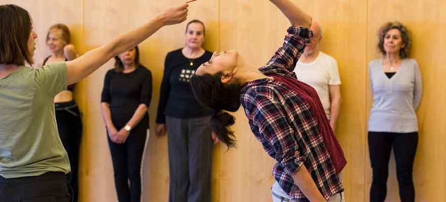 Talleres de danza para personas inquietas: La danza minimalista