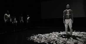 FAUSTIN LINYEKULA / STUDIOS KABAKO - sur les traces de dinozord
